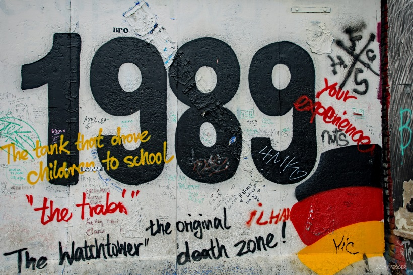 The Berlin Wall was a barrier that divided Berlin from 1961 to 1989