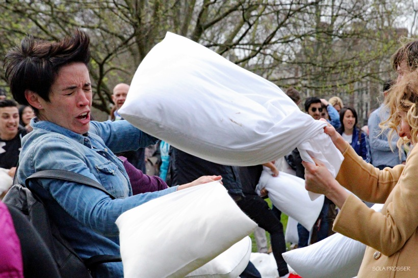 Pillow fight 13