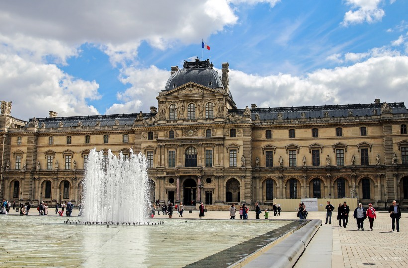 Musée du Louvre is known to be the biggest museum in the world.